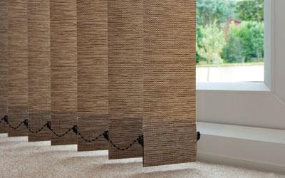 VERTIKÁLNÍ ŽALUZIE Vertikální žaluzie elegantně doplní váš interiér a zcela nahradí záclony nebo závěsy. Díky široké nabídce materiálů a barevných odstínů vkusně a moderně sladíte ... Více o produktu