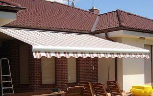 MARKÝZY Markýzy mají několik předností. Především jsou schopny zastínit větší plochy teras, balkónů či prosklených výloh. Dále dotváří architektonický vzhled objektu a stávají se ... Více o produkt