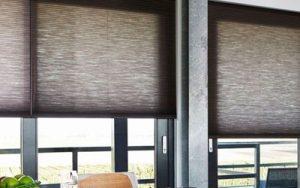 TEXTILNÍ ROLETKY Textilní rolekty dávají možnost dokonalého celkového stínícího efektu v návaznosti na architektonické řešení interiérů a jsou ideálním dekoračním i praktickým doplňkem. Široká nabídka látek a typů ... Více o produktu